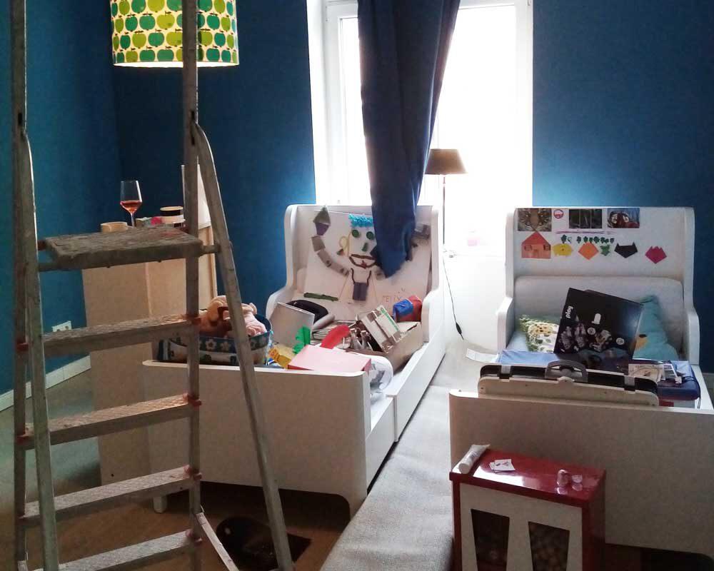 Kinderzimmer Chaos während der Renovierung