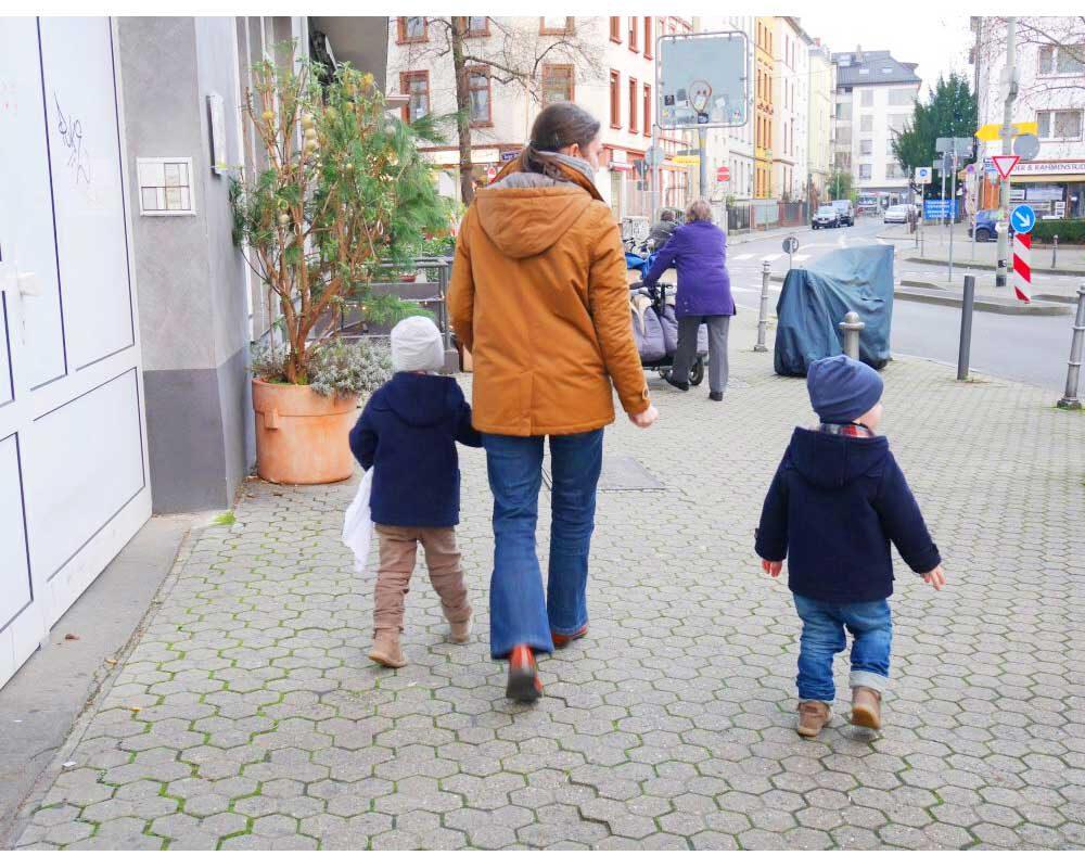 Klare Ansagen - Bei kleinen Kindern dauert es oft Monate, bis sie Regeln verinnerlicht haben.