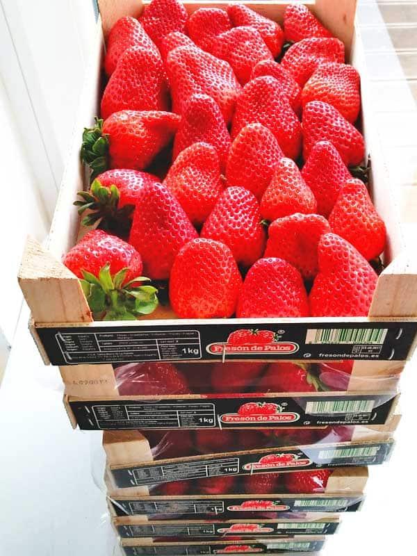 Erdbeeren in Kisten