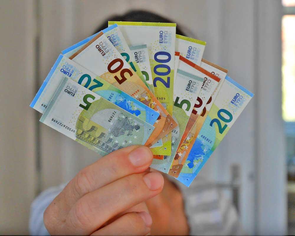 Geld Macht Glücklich